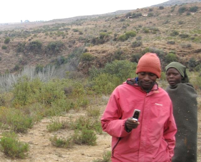 Image: Rwandans with phones