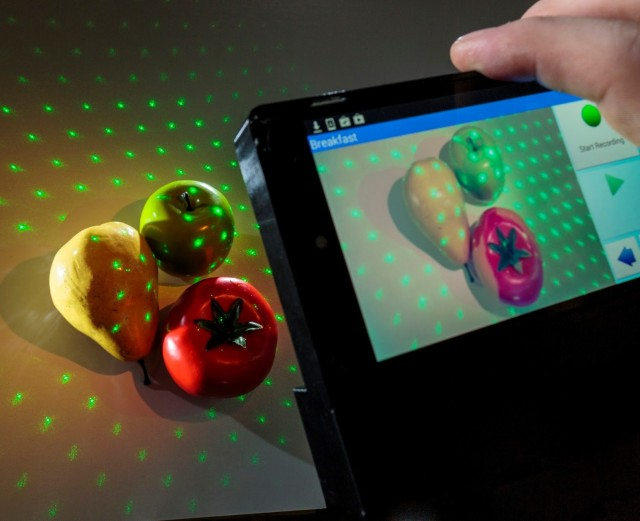 Image: NutriRay3D device in action