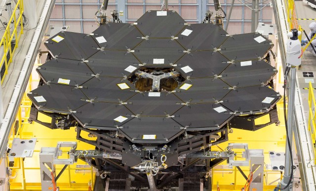 Image: Webb Telescope mirror