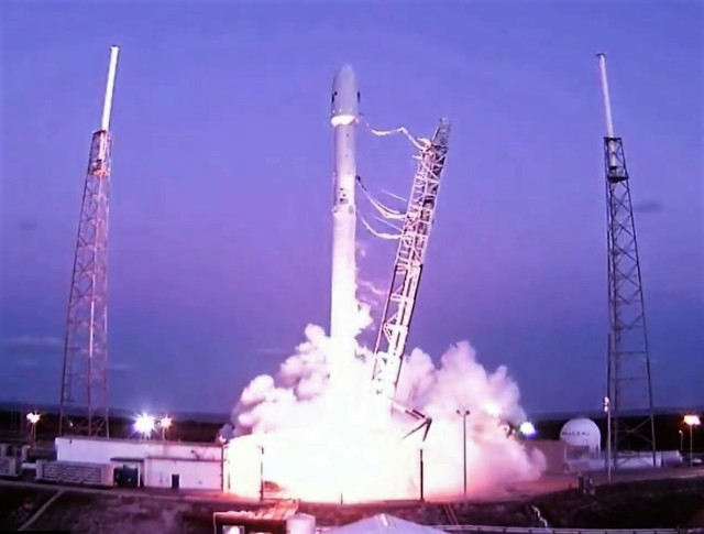 Image: Falcon 9 launch