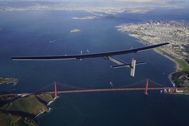 Image: Solar Impulse 2 plane and Golden Gate Bridge