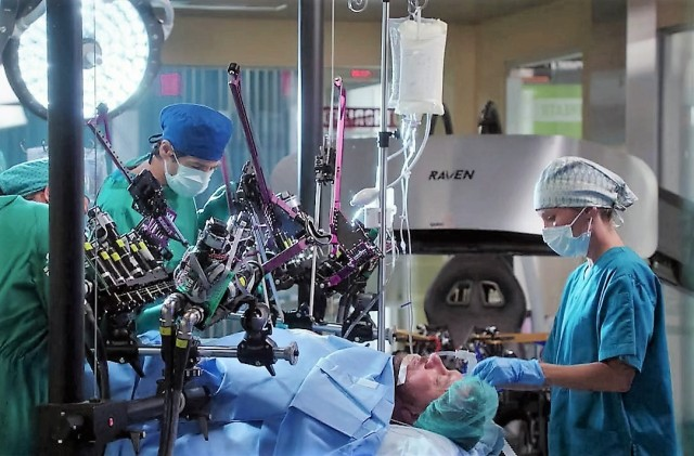 Image: Robot on 'Heartbeat'