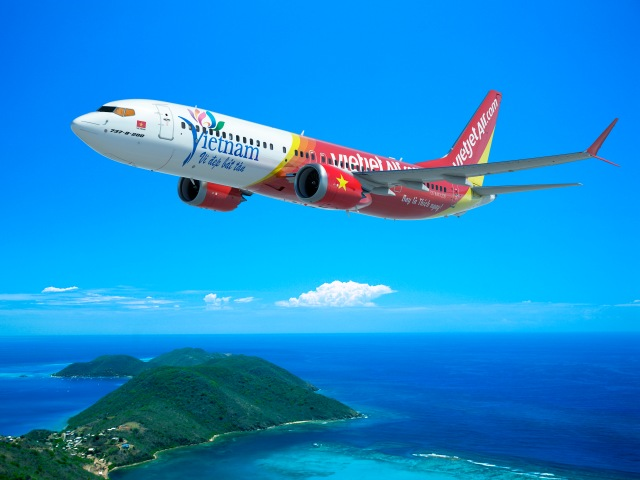 An artist's conception shows a Boeing 737 MAX wearing the livery of Vietjet Air. (Credit: Boeing)