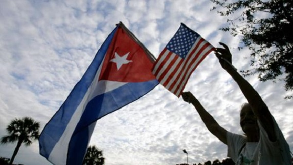 Image: Cuban and U.S. flags