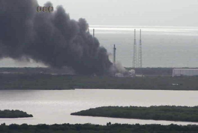 Image: Smoke from launch pad