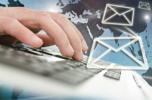 How hard is it to check hundreds of thousands of emails? Not that hard. (© Gajus via Fotolia)