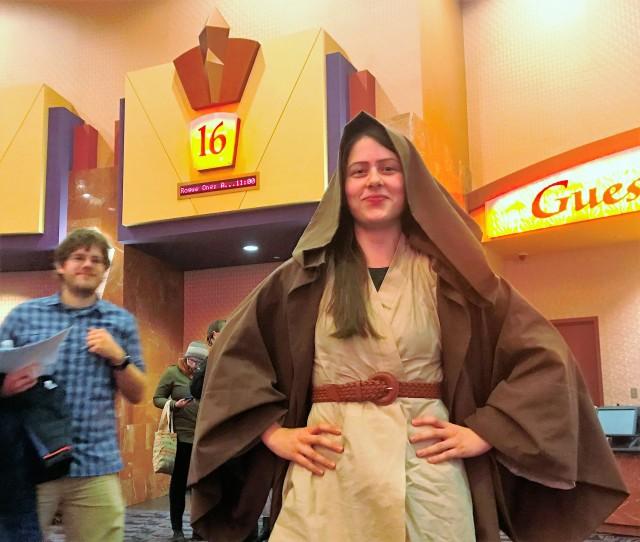 Margaret Urfer as Jedi knight