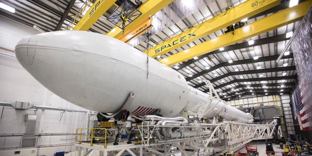 SpaceX Falcon 9 readied