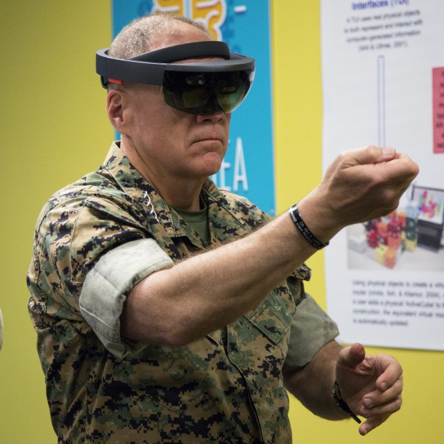 Marine Commandant tests HoloLens