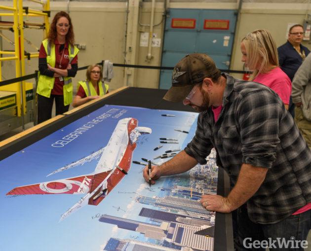 Boeing 777X banner
