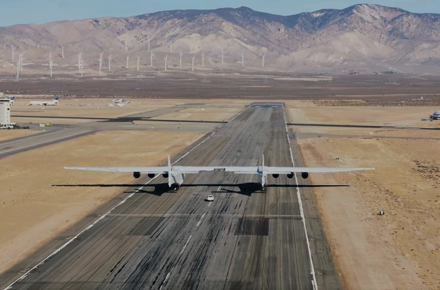 Stratolaunch taxi test