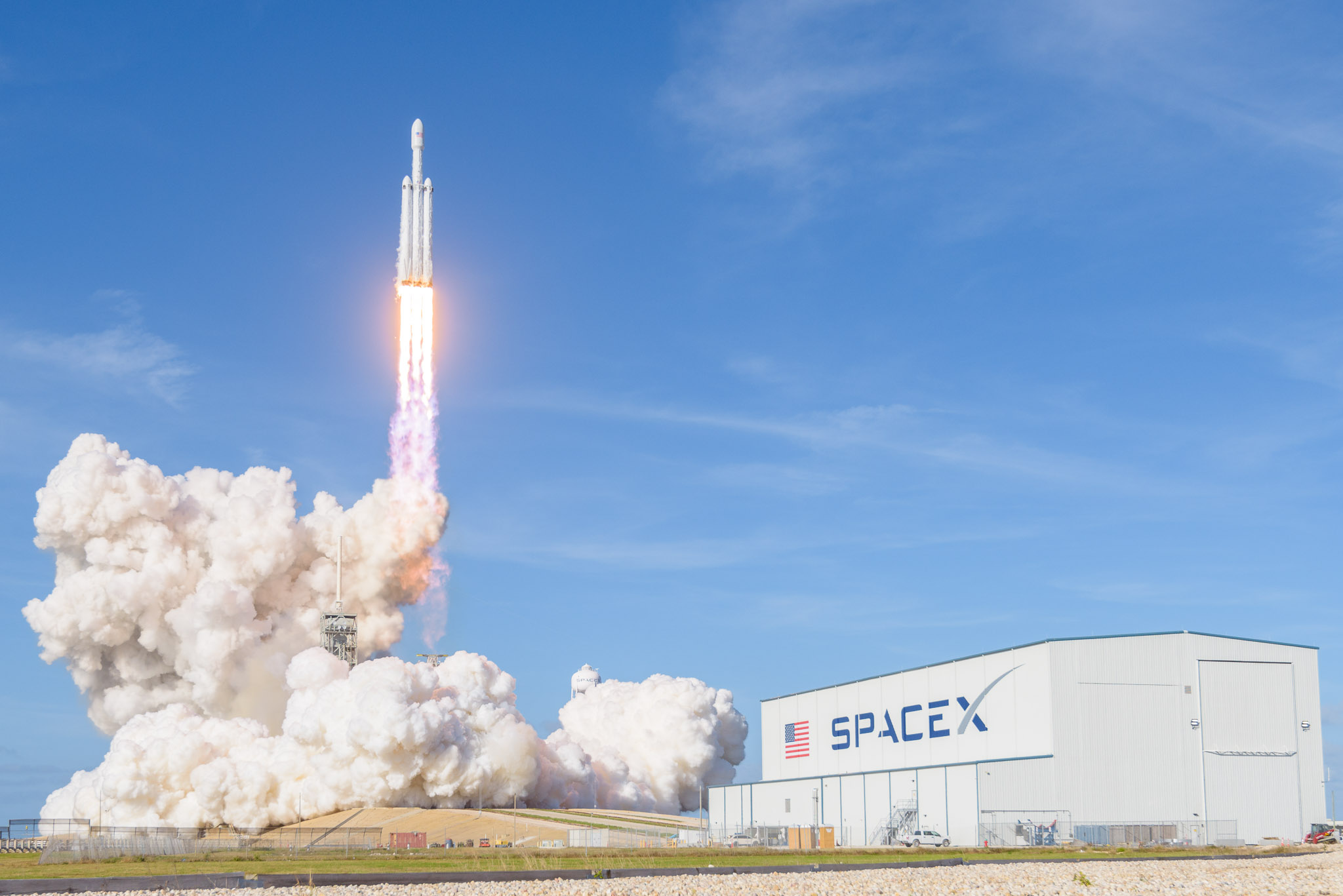 Air Force contract marks a first for Falcon Heavy | Cosmic Log