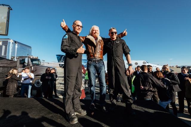 Richard Branson and astronauts