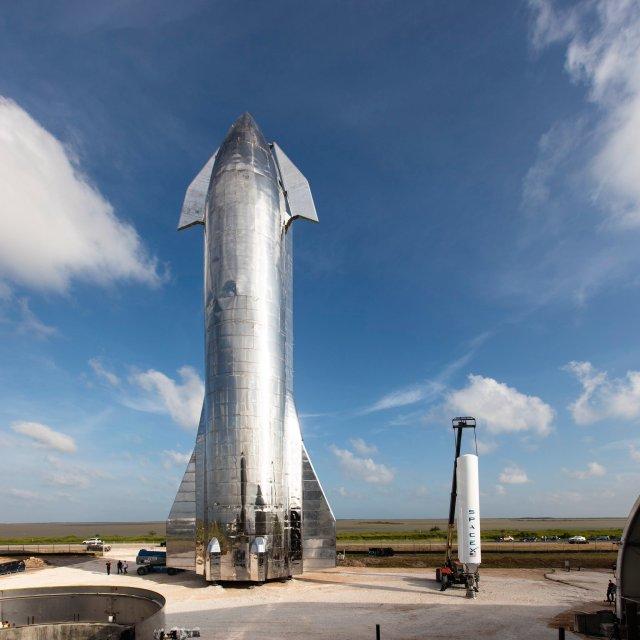 Starship and Falcon 1