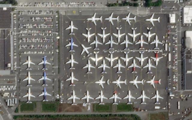 Parked 737 jets