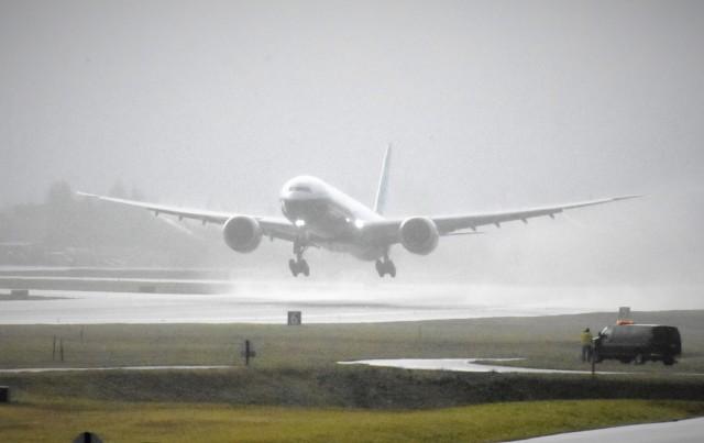 777X takeoff