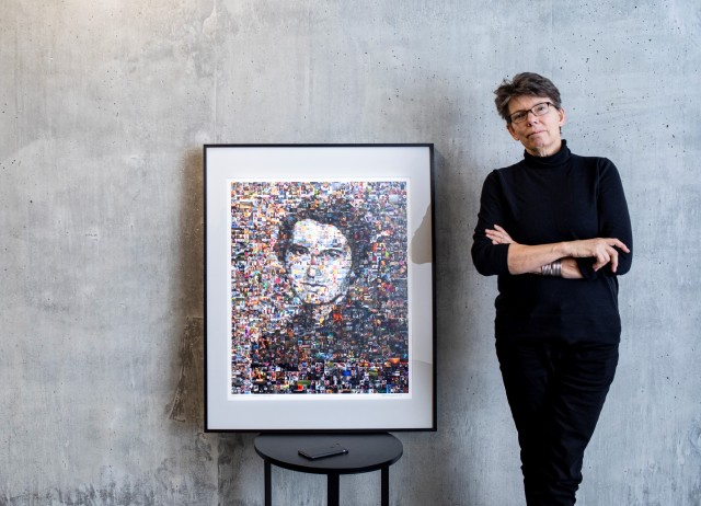 Artist Kate Thompson with Rosalind Franklin portrait