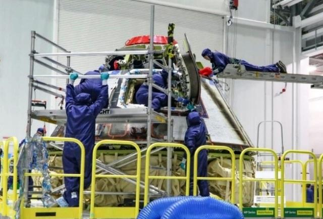 Starliner inspection